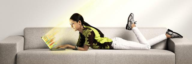 Woman on couch with Ultrabook™